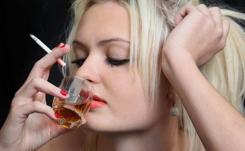 Женщины, зависимые от алкоголя